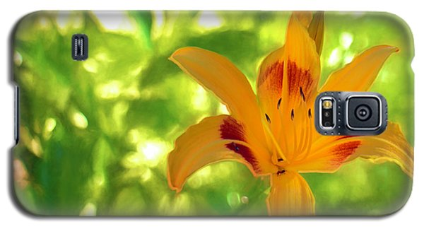 Galaxy S5 Case featuring the digital art Daylily by Charles Ables