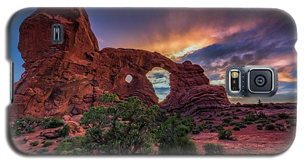 Day's End At Turret Arch Galaxy S5 Case
