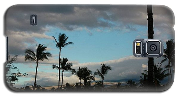 Galaxy S5 Case featuring the photograph Days End Hawaii by Ellen O'Reilly