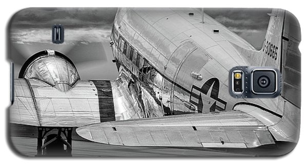 Dc3 Taxiing For Departure Galaxy S5 Case