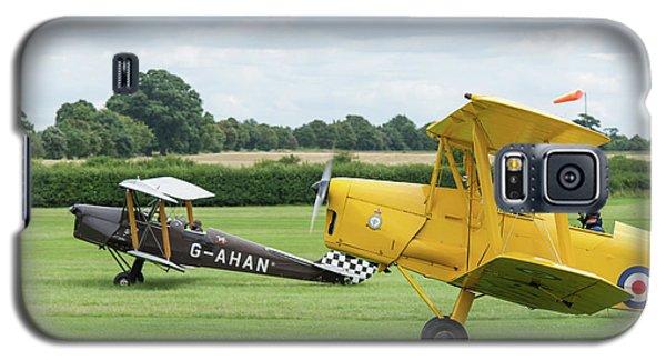 Galaxy S5 Case featuring the photograph De Havilland Tiger Moths Taxiing by Gary Eason