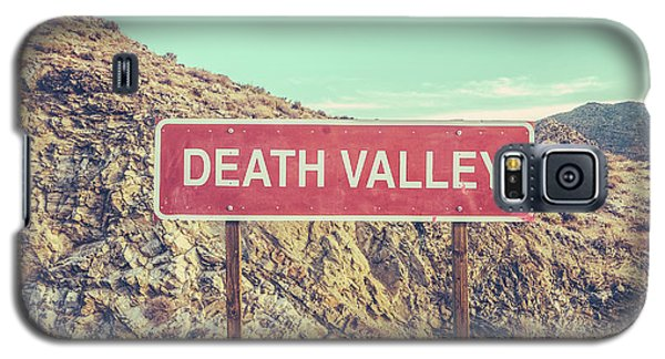 Landscapes Galaxy S5 Case - Death Valley Sign by Mr Doomits
