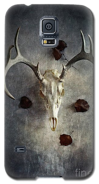 Galaxy S5 Case featuring the photograph Deer Buck Skull With Fallen Leaves by Stephanie Frey