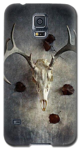 Deer Buck Skull With Fallen Leaves Galaxy S5 Case