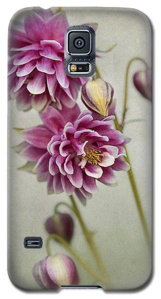 Delicate Pink Columbine Galaxy S5 Case
