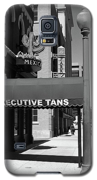 Denver Downtown Storefront Bw Galaxy S5 Case by Frank Romeo