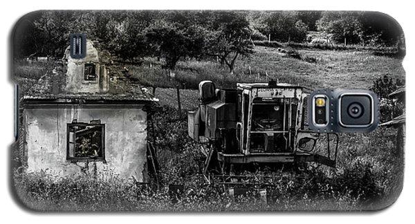 Derelict Farm, Transylvania Galaxy S5 Case