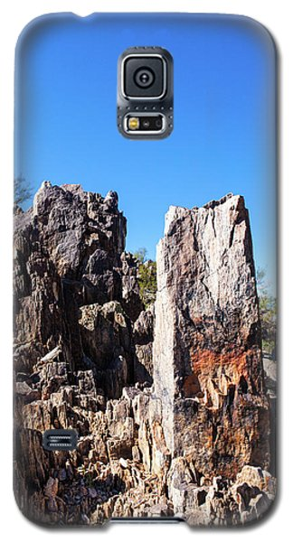 Galaxy S5 Case featuring the photograph Desert Rocks by Ed Cilley