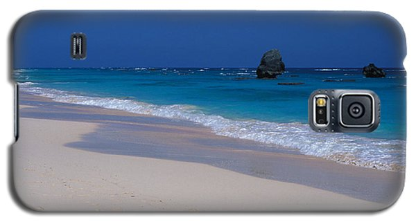 Galaxy S5 Case featuring the photograph Deserted Beach In Bermuda by Carl Purcell