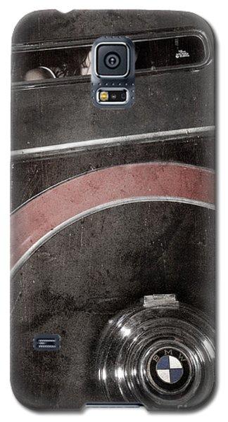 Detail Of A Vintage Car. Galaxy S5 Case by Andrey  Godyaykin