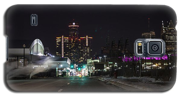 Galaxy S5 Case featuring the photograph Detroit Michigan by Nicholas Grunas