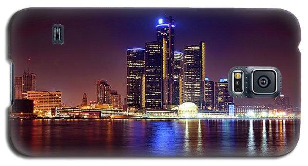 Detroit Skyline 4 Galaxy S5 Case by Gordon Dean II