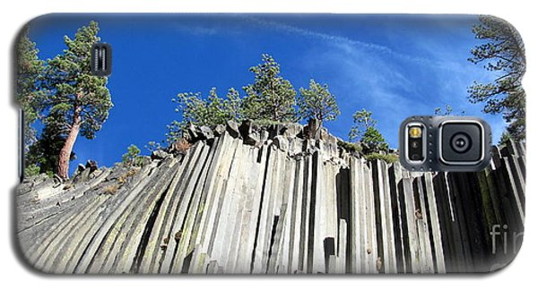 Devils Postpile National Monument Galaxy S5 Case by Irina Hays