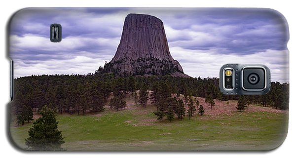 Galaxy S5 Case featuring the photograph Devil's Tower 2 by Gary Lengyel