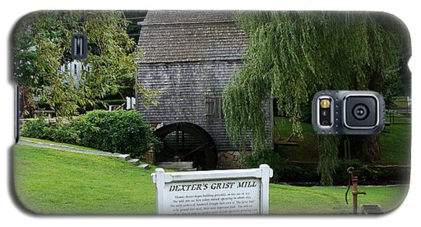 Galaxy S5 Case featuring the painting Dexter's Grist Mill by Rod Jellison