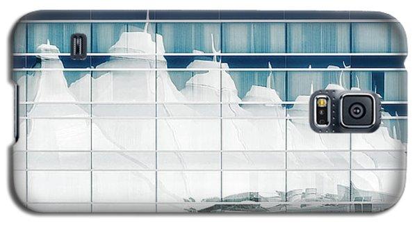 Galaxy S5 Case featuring the photograph Dia Hotel Reflection by Joe Bonita