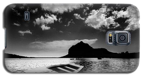 Docked Galaxy S5 Case
