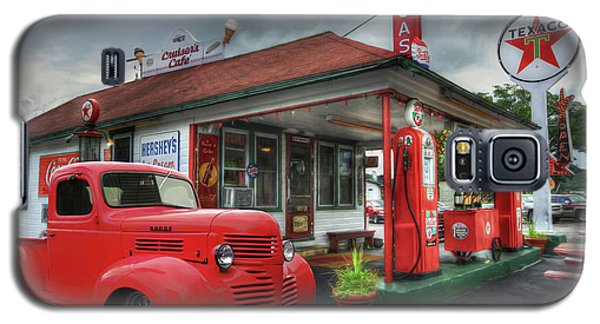 Galaxy S5 Case featuring the photograph Dodge At Cruisers by Lori Deiter
