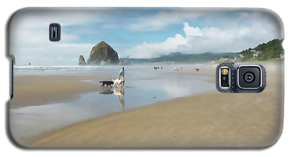 Dog Walking At Cannon Beach Galaxy S5 Case