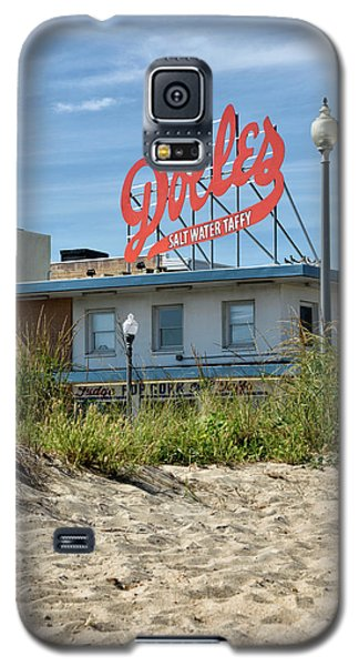 Galaxy S5 Case featuring the photograph Dolles From The Beach - Rehoboth Beach Delaware by Brendan Reals