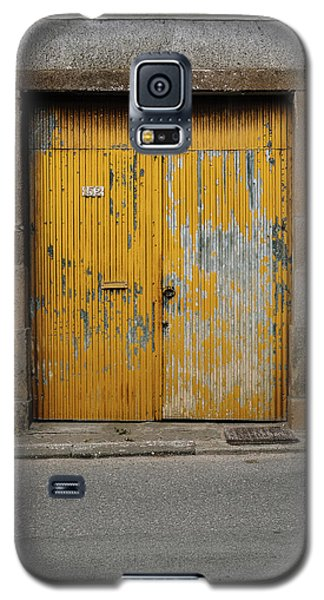 Galaxy S5 Case featuring the photograph Door No 152 by Marco Oliveira