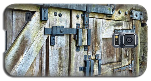 Doors At Caerphilly Castle Galaxy S5 Case