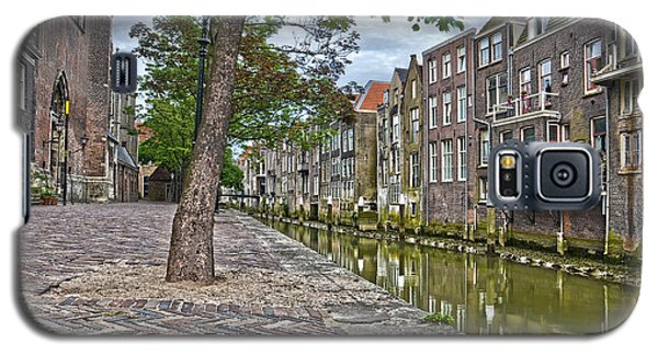 Galaxy S5 Case featuring the photograph Dordrecht Behind The Church by Frans Blok