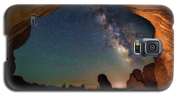 Double Arch Milky Way Views Galaxy S5 Case by Darren White