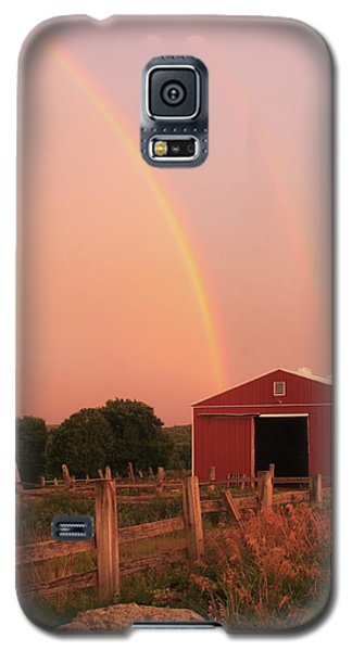 Double Rainbow Over Red Barn Galaxy S5 Case by John Burk