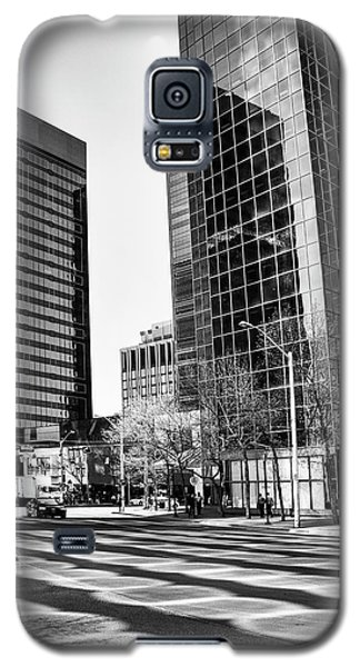 Galaxy S5 Case featuring the photograph Downtown Bubble Reflections by Darcy Michaelchuk