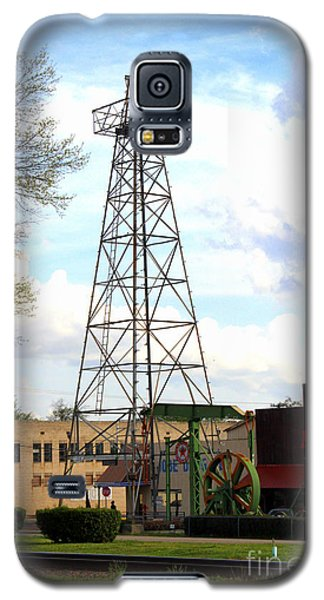 Downtown Gladewater Oil Derrick Galaxy S5 Case by Kathy  White