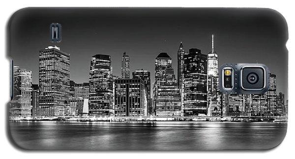 Galaxy S5 Case featuring the photograph Downtown Manhattan Bw by Az Jackson