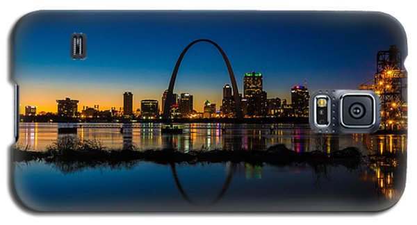 Downtown St. Louis And The Gateway Arch Galaxy S5 Case by Matthew Chapman