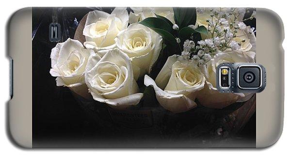 Dozen White Bridal Roses Galaxy S5 Case