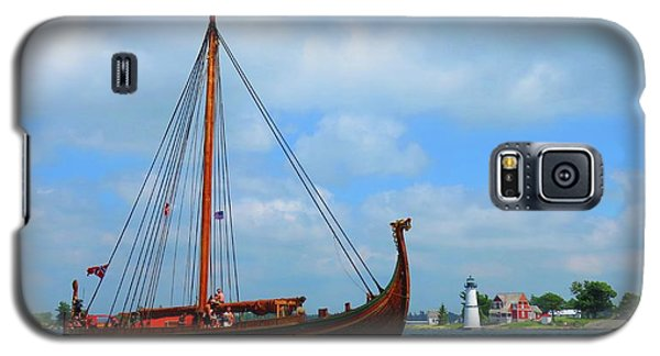 The Draken Passing Rock Island Galaxy S5 Case