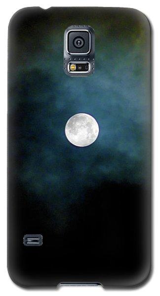 Galaxy S5 Case featuring the photograph Drama Queen Full Moon by Menega Sabidussi