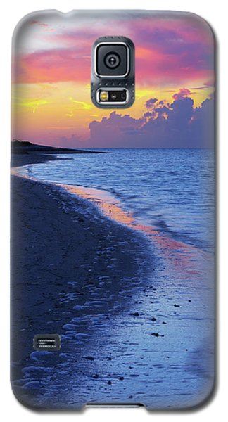 Galaxy S5 Case featuring the photograph Draw by Chad Dutson