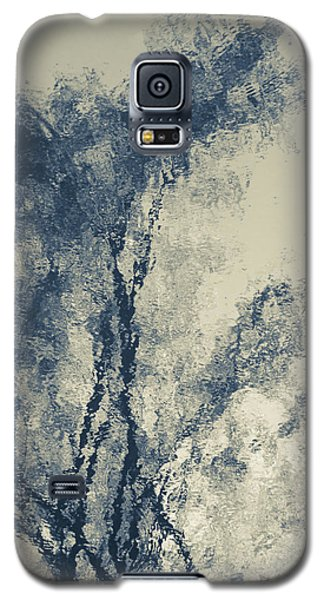 Galaxy S5 Case featuring the photograph Dreamland by Tom Vaughan