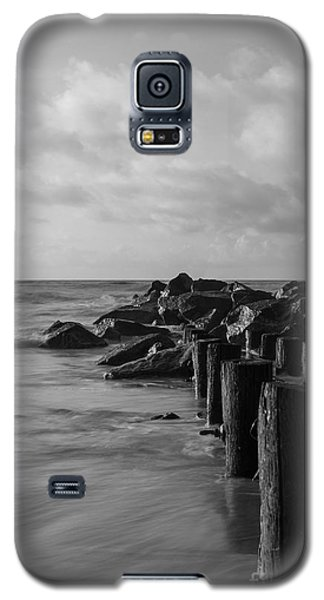 Dreamy Jettie Grayscale Galaxy S5 Case by Jennifer White