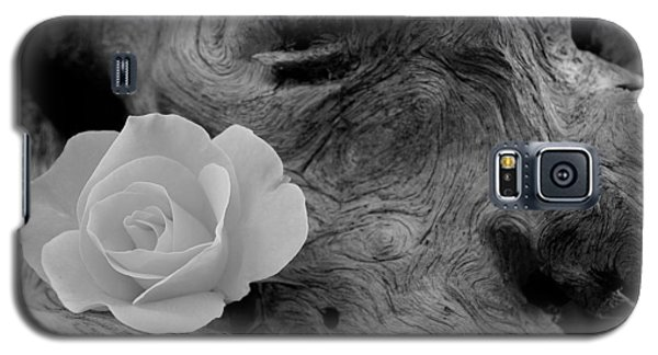 Driftwood And Roses Galaxy S5 Case
