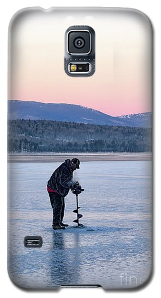 Galaxy S5 Case featuring the photograph Drilling Ice On Wilson Lake, Wilton, Maine  -88115 by John Bald