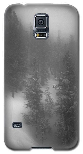 Galaxy S5 Case featuring the photograph Drop In by Mark Ross
