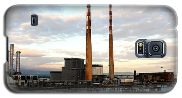 Dublin's Poolbeg Chimneys Galaxy S5 Case