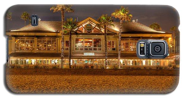 Galaxy S5 Case featuring the photograph Duke's Restaurant Huntington Beach - Back by Jim Carrell