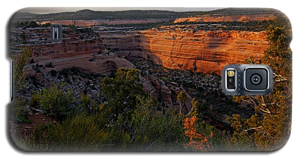 Dusk At Colorado National Monument Galaxy S5 Case