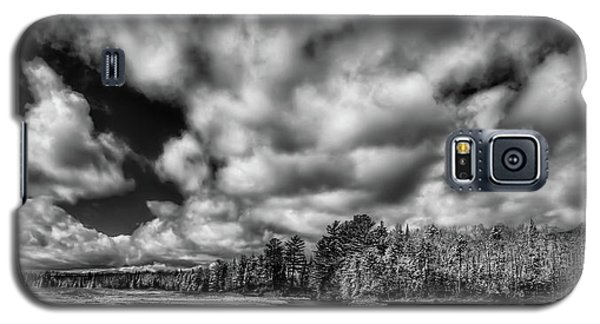 Galaxy S5 Case featuring the photograph Dusting Of Snow On The River by David Patterson