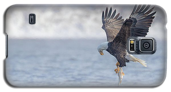 Eagle Fishing  Galaxy S5 Case by Kelly Marquardt