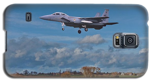 Galaxy S5 Case featuring the photograph Eagle On Finals by Paul Gulliver