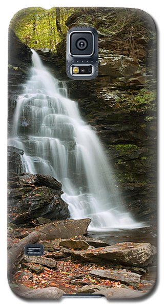 Early Autumn Morning Below Ozone Falls Galaxy S5 Case by Gene Walls