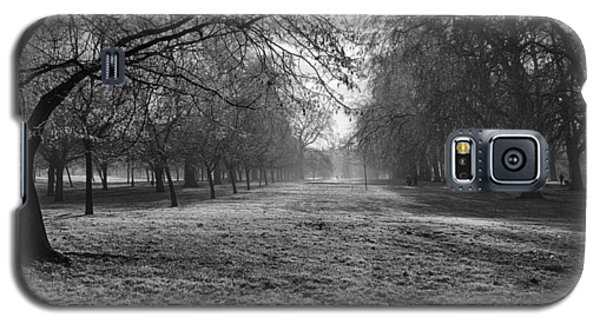 Early Morning In Hyde Park 16x20 Galaxy S5 Case